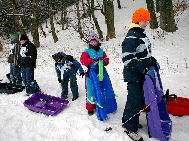 V Žacléři soutěžily děti v jízdě na bobech