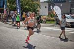 Eva Vrabcová-Nývltová na půlmaratonu v Trutnově.