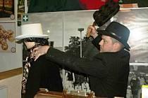 Poirot pod Zvičinou a mrtvý majitel v recepci