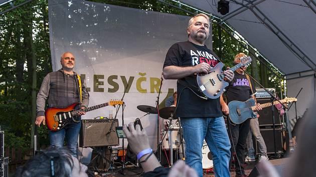 Mňága a Žďorp zahrála na přehradě.