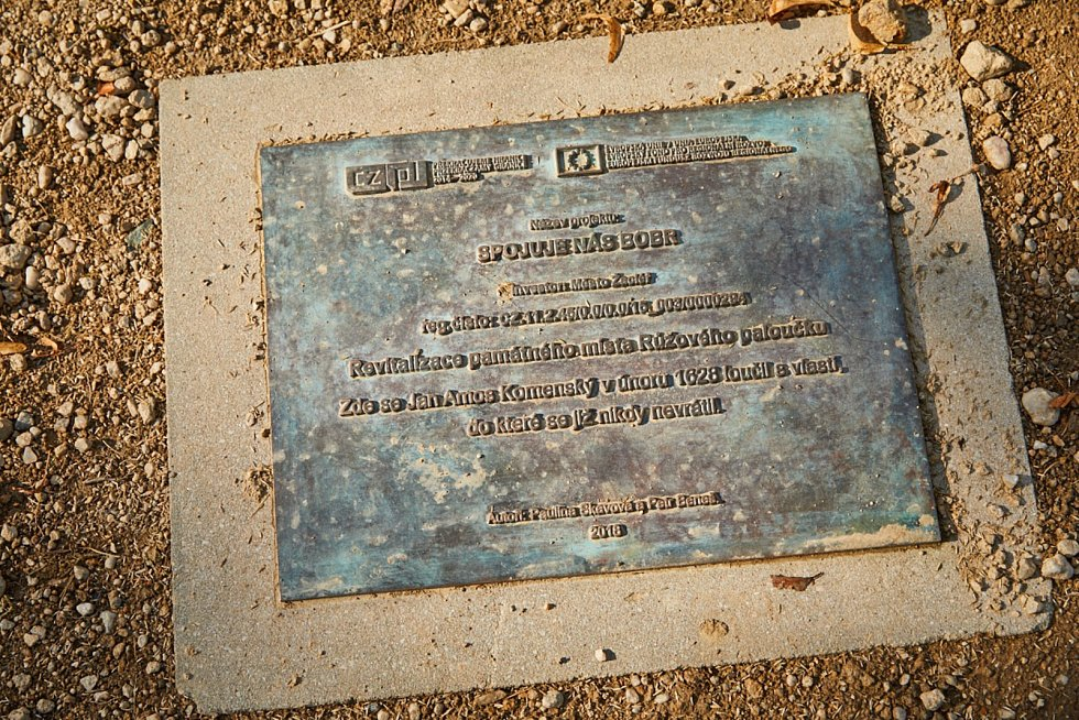 V Žacléři odhalili Komenského labyrint.