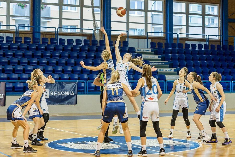 Trutnovské basketbalistky čeká v souboji o konečné páté místo v Renomia ŽBL dvojzápas s Chomutovem.