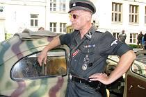 Trutnovem projela historická vozidla z druhé světové války