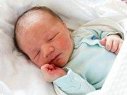 TOMÁŠ REMSA se narodil Tereze a Patrikovi 11. října v 15.24 hodin. Vážil 3,79 kg, měřil 52 cm a bydlet bude ve Vrchlabí.
