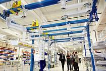 VE TŘECH průmyslových objektech najdou lidé práci. Do budoucna sem společnost chce stěhovat svou veškerou výrobu.
