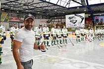 Dvorský hokejový klub se loučil se službami útočníka Patrika Fořta.