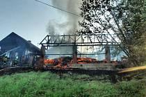 V Dubenci shořela stodola, škoda je 450 tisíc korun.