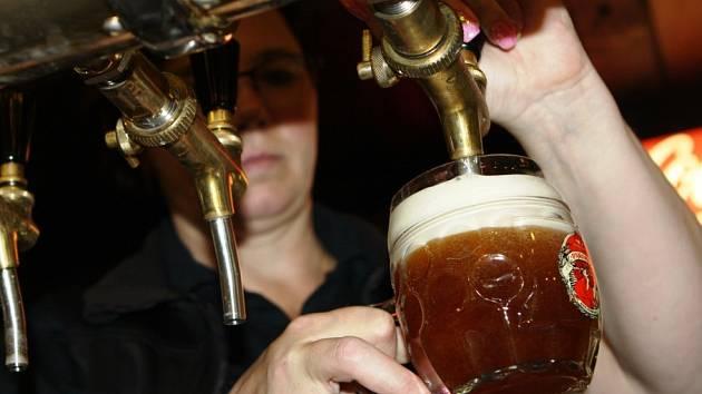 Pivovar na Luční boudě stojí v místech někdejšího tanečního sálu a 10. srpna oslaví 5 let existence. Vaří čtyři druhy nefiltrovaného, nepasterizovaného piva.