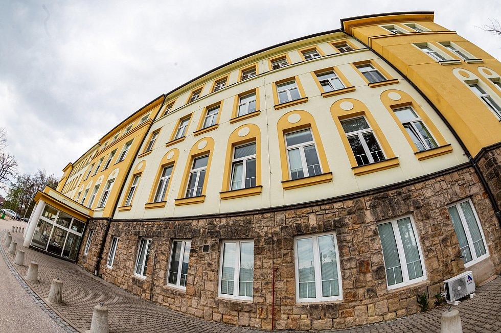 Městská nemocnice Dvůr Králové nad Labem.