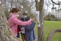 V zámeckém parku ve Vrchlabí děti plnily začarované úkoly.
