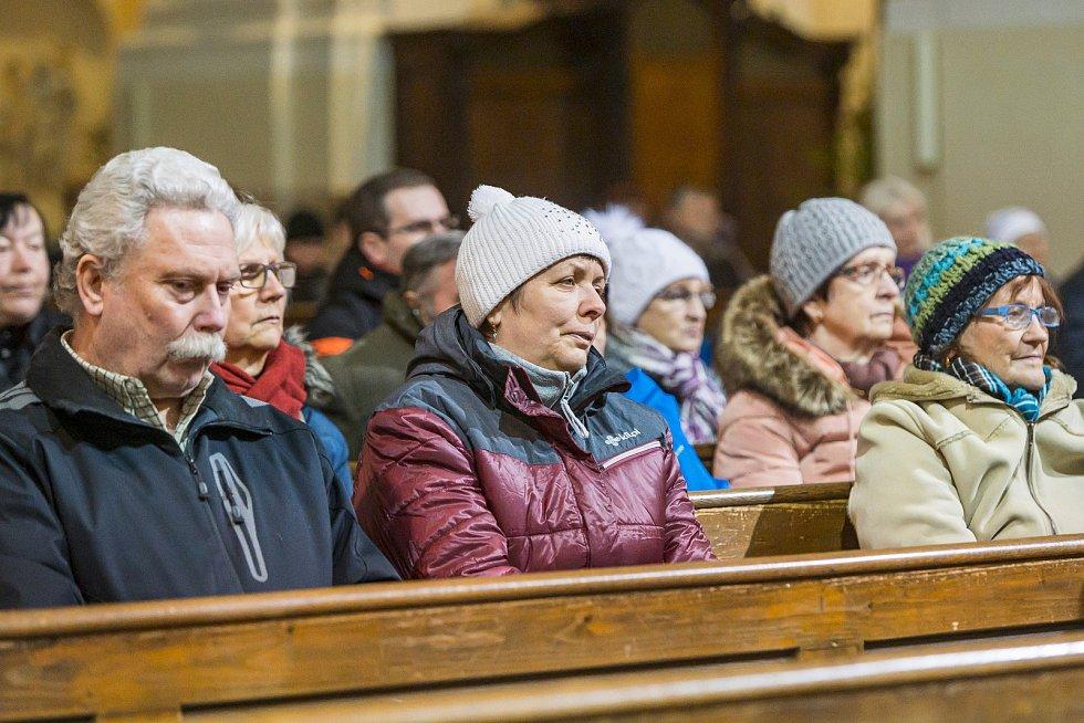 Koncert pro Tříkrálovou sbírku v trutnovském kostele zahájil tradiční novoroční akci charity.