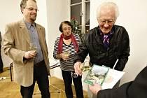 Křtu knihy se vedle autorské dvojice Ondřej Vašata, Vlastimil Málek ujali také pamětníci Charlese Mayera, mezi nimi i malíř Miloš Trýzna.