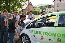 ČEZ předal správě KRNAP dva elektromobily