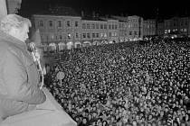 Vrcholem převratu byla návštěva prezidenta Václava Havla v Trutnově 27. ledna 1990. Z balkónu radnice promluvil k 25 tisícům lidí.