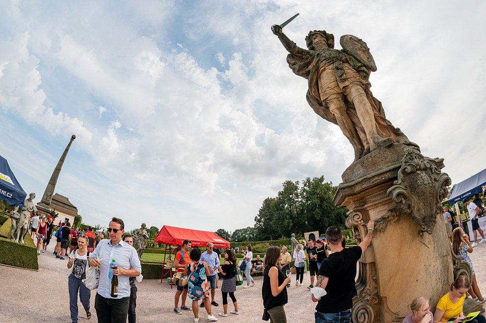 O Vinobraní na Kuksu byl tradičně obrovský zájem.