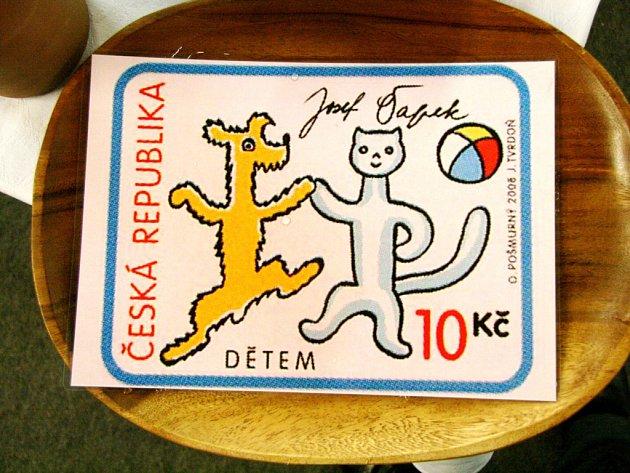 Vydali poštovní známku s pejskem a kočičkou