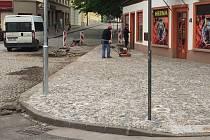 Drobné opravy komunikací a chodníků v Trutnově.