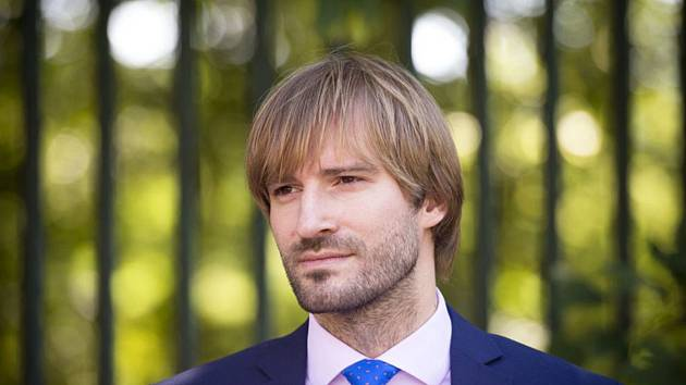 Ministr zdravotnictví Adam Vojtěch přijede debatovat do Trutnova 1. srpna.