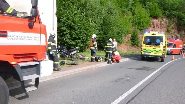 Havárie motocyklu v Suchovršicích.