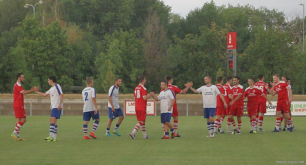 Vrchlabští hokejisté se postavili fotbalistům z I. B třídy.