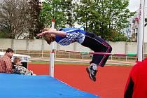 DOBROU FORMU potvrdil i na finále v Olomouci turnovský mladší žák Josef Egrt, který byl druhý ve výšce i dálce.