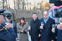 Slavnostní předání nového dopravního automobilu Sboru dobrovolných hasičů Libňatov.