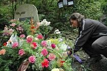 Každoroční pieta za 14 mrtvých a 32 zraněných, které si vyžádalo železniční neštěstí 25. srpna 1990 na viaduktu nedaleko Spálova u Železného Brodu.