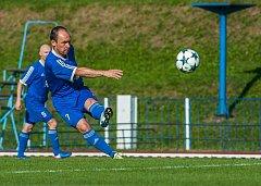 MARTIN HRUŠKA v utkání předkola MOL cupu proti Českému Brodu navázal na své výkony z jarní části minulé sezony. Duel rozhodl vítězným gólem, na který mu přihrál Zdeněk Tauchman.