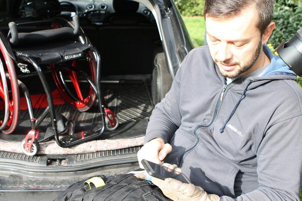 Chráněná dílna sebrala paralympionikovi vozík.