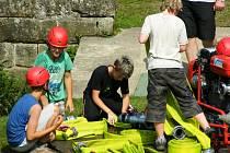 Malí hasiči tábořili i trénovali v prostředí Nebákova