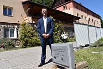 Ředitel Domova důchodců Tmavý Důl Antonín Stanislav. Kapacita zařízení naroste na 156 klientů.