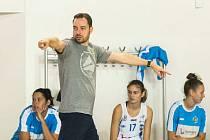 Michal Martišek koučuje basketbalistky BK Loko Trutnov.