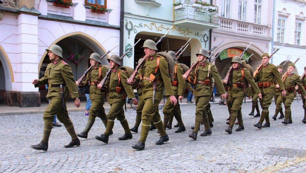 K poctě hraničářů: náměstím zněla československá hymna