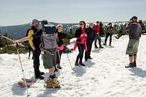 Zimu vyprovodili z hor setkáním na Sněžce.