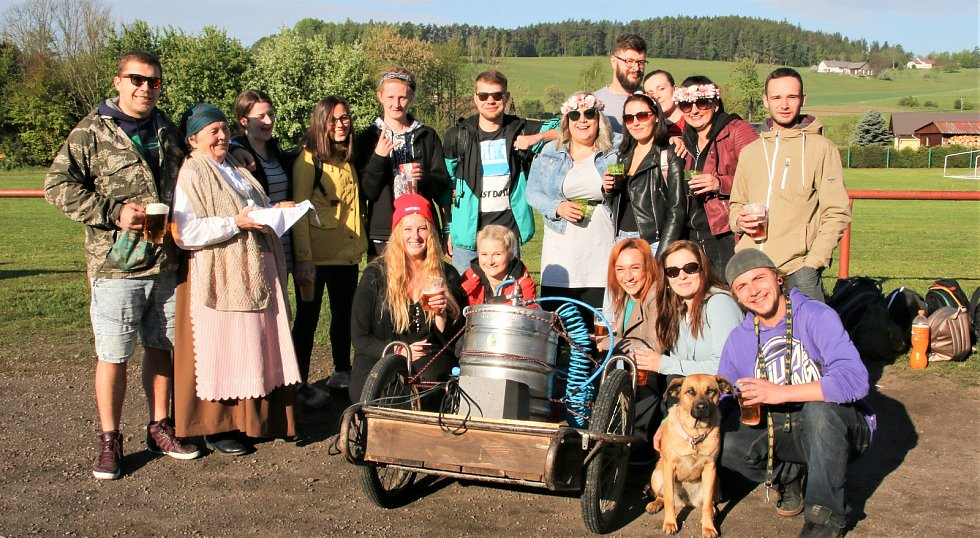 Do Ratibořic se vydala procesí pochodu Babička.