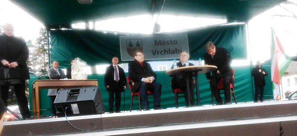 Miloš Zeman diskutuje sobčany Vrchlabí