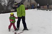 Začátek lyžařské sezóny v Mladých Bukách.