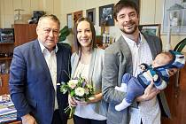 Jan Vágner s rodiči na návštěvě u trutnovského starosty Ivana Adamce.