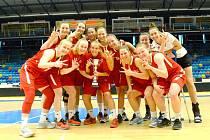 ČESKÁ DVACÍTKA se na ženském turnaji v Hradci Králové neztratila. Z bronzu se radovaly i Michaela Gaislerová a Hana Veselá.