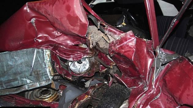Tragická dopravní nehoda, při níž vyhasl život šedesátiletého muže, se stala ve čtvrtek 4. září večer, krátce před desátou hodinou, na silnici I/16 v Bernarticích na Trutnovsku.