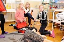 Soutěž v předlékařské první pomoci pro děti ze základních škol v Trutnově.