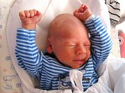 ONDRA KADEŘÁBEK se narodil 13. března ve 12.32 hodin rodičům Adéle a Lukášovi. Vážil 2,57 kilogramu a měřil 47 centimetrů.Rodina je zMladých Buků.