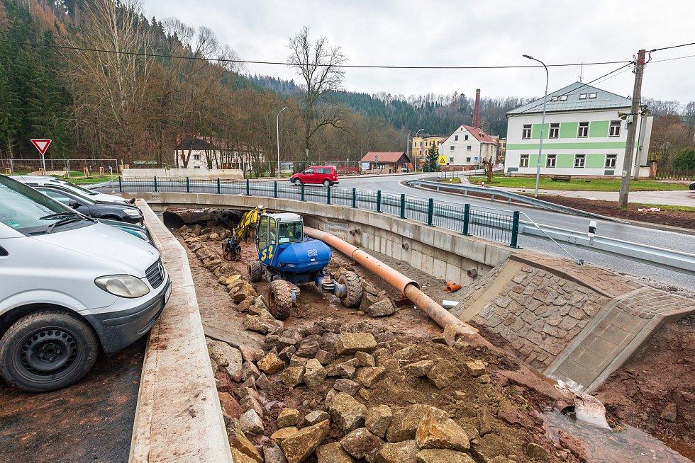 V Rudníku skončila dopravní uzavírka mostu, řidiči můžou jezdit po opravené křižovatce.
