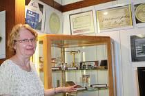 Eva Stoklasová je autorkou výstavy Jak šel čas lékárnou ve Vlastivědném muzeu pro Vysoké nad Jizerou a okolí.