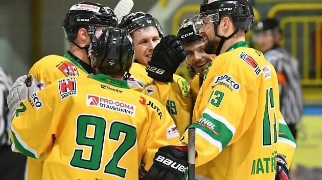 Dvorští hokejisté vezou pohodové vítězství z ledu řisutských Buldoků.
