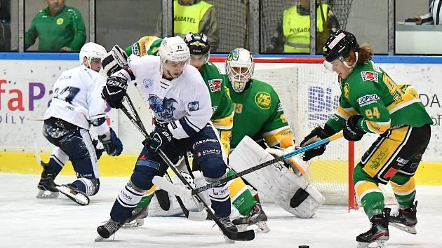 Hokejisté Dvora Králové nad Labem si v prestižním souboji poradili se soupeřem z Trutnova.