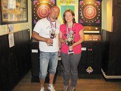 J. Hloušek nejlepší neregistrovaný hráč a Alena Gregůrková nejlepší hráčka i nejlepší v absolutním pořadí.