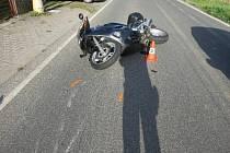 V Bílé Třemešné havaroval 69letý motorkář.
