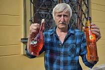 Jiří Šťáva z Klášterské Lhoty vyrábí likéry z hub, které mají léčivé účinky.