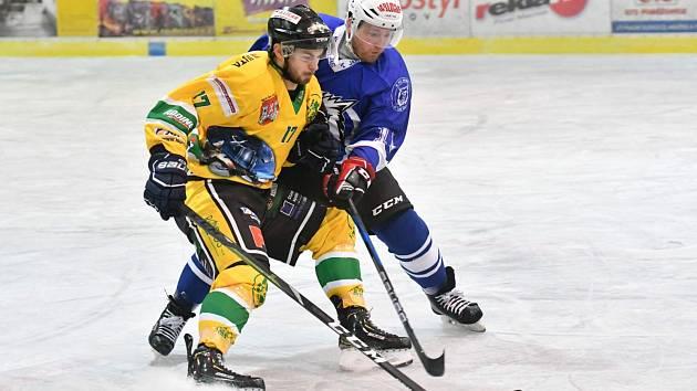 V LOŇSKÉ SEZONĚ si Daniel Svoboda ve žlutozelených barvách Rodosu zahrál proti Jablonci. Nyní je na jeho straně.